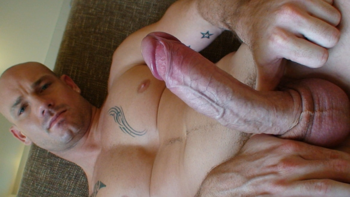 Alt Stud With Tats Blows Camera Guy and Sucks His Own Dick
